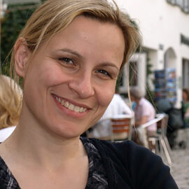 Eva Cedilnik Gorup